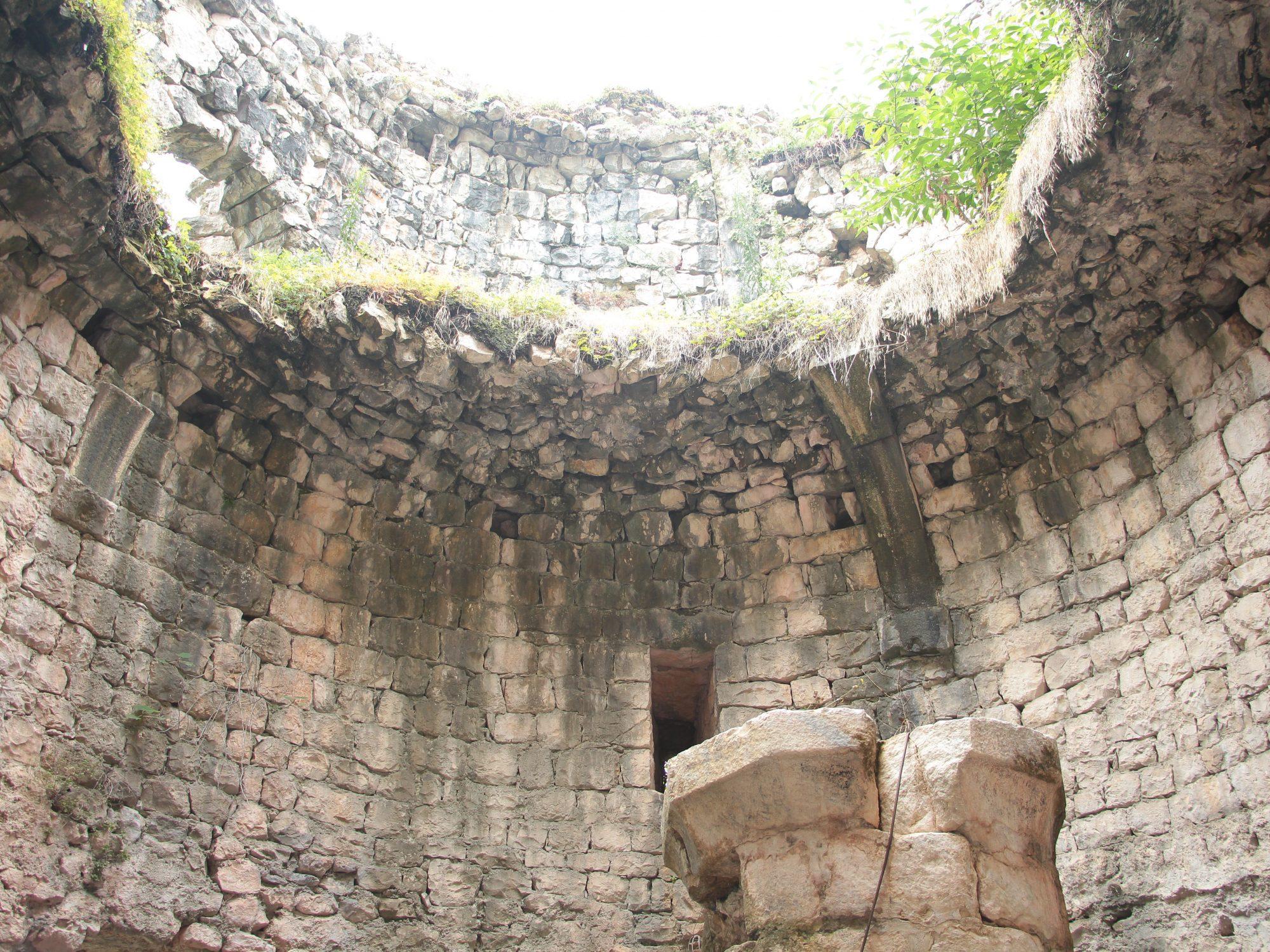 Анакопийская крепость внутри