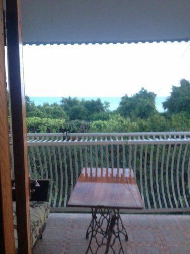 Комнаты в частном секторе в Эшере на берегу моря.