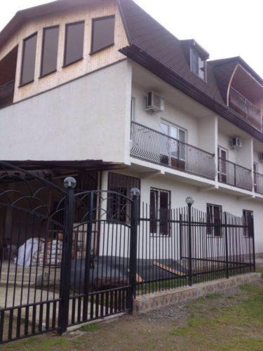 Гостевой дом «Элиза» находится в Пицунде.