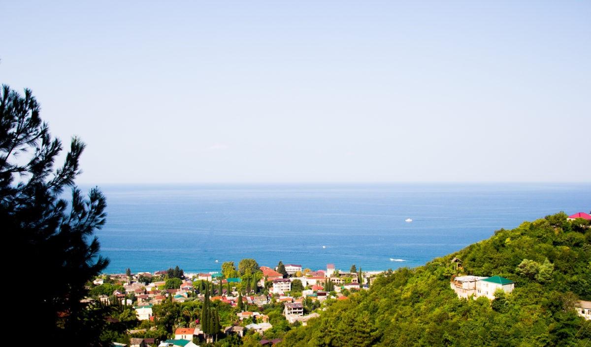 Отели, пансионаты и санатории Сухуми на берегу моря - цены гостиниц 2020